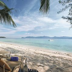 A perfect #Sunday #afternoon should be like this - #sun #beach and #turquoiseocean. #shangrilahotels @shangrilatah #borneo #kotakinabalu #malaysia #resort #spa #holiday #escape #getaway #idle #lovesunday #sundayfun #sunny #ocean #cruise #nature #shangril