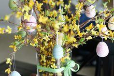 http://1.bp.blogspot.com/_VTrO60Ozyik/S6zlw5HLJAI/AAAAAAAAC8A/0HXhNvFKN5Q/s1600/easter+tree+1.jpg