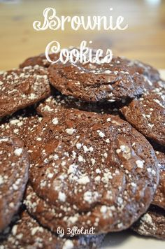 Brownie Cookies.  Make cookies from your boxed brownie mix for a different way to serve and eat brownies. #brownies #cookies www.3glol.net
