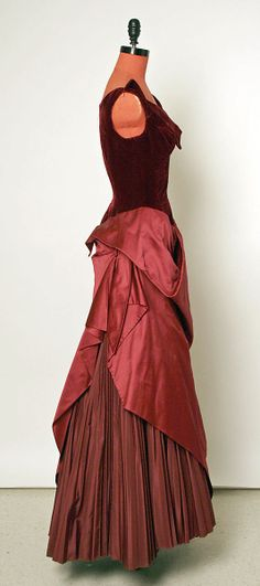 Dress (Ball Gown)  Charles James  (American, born Great Britain, 1906–1978)   Date:1949Culture:AmericanMedium:silkDimensions:[no dimensions available]Credit Line:Gift of Eleanor Lambert , 1957Accession Number:C.I.57.31.
