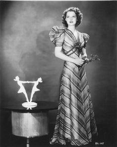 "The photo ""Ann Sheridan"" has been viewed 692 times. Golden Age Of Hollywood, Vintage Hollywood, Classic Hollywood, Hollywood Divas, Hollywood Fashion, Ann Sothern, Marie Prevost, Gloria Dehaven, Vestidos"