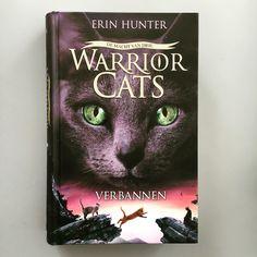 En ook Warrior cats serie 3 deel 3 is uit. Verbannen van Erin Hunter. Boek 22/52.