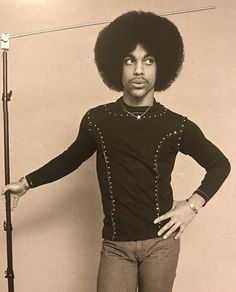 Celebrating the life, legacy, achievements and artistry of Prince Rogers Nelson. Prince Images, Photos Of Prince, Baby Prince, Young Prince, Best Friends Brother, Prince Purple Rain, Judas Priest, Roger Nelson, Prince Rogers Nelson