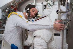 Astronauta italiano narra su aterradora caminata espacial