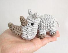 Mesmerizing Crochet an Amigurumi Rabbit Ideas. Lovely Crochet an Amigurumi Rabbit Ideas. Crochet Baby Blanket Beginner, Crochet Baby Toys, Crochet Baby Booties, Cute Crochet, Crochet Animals, Crochet Crafts, Crochet Dolls, Crochet Projects, Crochet Hippo