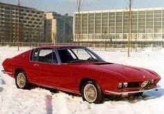 1968, concept car BMW 2000 Ti Frua. Le carrossier italien multiplia ses travaux sur base BMW jusqu'en 1976