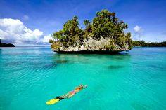 Palau is een van de mooiste duik- en snorkel bestemmingen ter wereld. Zie jij jezelf hier al snorkelen?