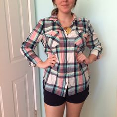 """Pink, Blue, & White Flannel Button Up Fits size 6/8 fitted. A little wrinkly but other than that great condition! For reference - I'm 5'6"""", size 4 usually, and 32DDD bra size! Sonoma Tops Button Down Shirts"""