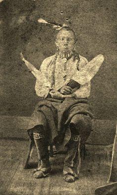 Selahnapahvah - Kaw - circa 1865 (design on leggings) 556313_10152353098240578_1385060750_n.jpg (577×960)