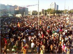 Taksim'de Ethem Sarısülük anılıyor http://www.cumhuriyet.com.tr/?im=galeri=1812=87=88=1812=1#sd
