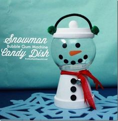 Clay Pot Snowman Candy Dish - das ist, was {Che} sagte . christmas crafts Lynne McBride Clay Pot Snowman Candy Dish - das ist, was {Che} sagte . Clay Pot Projects, Clay Pot Crafts, Diy Crafts, Tree Crafts, Rustic Crafts, Sewing Crafts, Candy Jars, Candy Dishes, Candy Containers