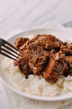Pork Adobo recipe, by thewoksoflife.com #pork #adobo