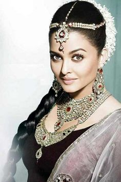 "Aishwarya Rai, ""Miss World"", in her native Indian attire."