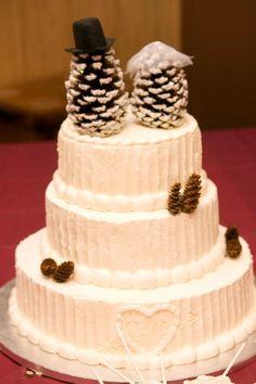Winter Wedding Cake #pinecones