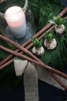 Hyacinter och granris – hemmet är redo för advent och jul - Sköna hem
