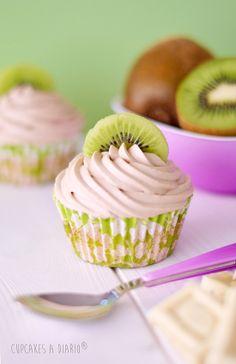 Kiwi #Cupcakes with White Chocolate Buttercream