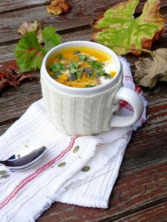 Carrot cream with orange and cumins Fall Recipes, Soup Recipes, Vegetarian Recipes, Healthy Recipes, Carrot Cream, Soup Kitchen, Cream Soup, Food Decoration, Happy Foods