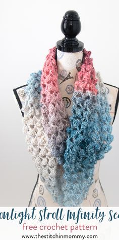 Moonlight Stroll Infinity Scarf - Free Crochet Pattern - Scarf of the Month Club hosted by The Stitchin' Mommy and Oombawka Design | www.thestitchinmommy.com #ScarfoftheMonthClub2017