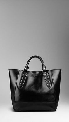 Burberry - Large London Leather Portrait Tote Bag