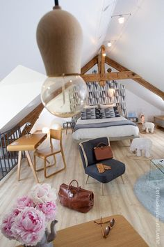 Giving a modern twist to its ancient style thanks to a high-end vintage chic interior design, this house allows you to take the most of French history as well as elegance through its 1970's inspired design. Coucy le Château is in Northern France, at the crossroads of Paris, Reims and Lille.
