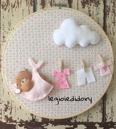 Could be used for a baby card Baby Mobile Felt, Felt Baby, Floral Embroidery Patterns, Embroidery Hoop Art, Handmade Crafts, Diy And Crafts, Crafts For Kids, Baby Crafts, Craft Ideas