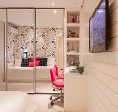 Linda inspiração para quarto com home office  Ameeeeeei!!! ❤️❤️❤️ - #quarto #homeoffice #design #decoração #arquitetura #acasaqueeuquero #novidades #instagram