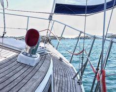 Un matí genial amb l'#AINA merci per el matí d'avui navegant per el port de Maó @nasinasinasi  que gran que es el forsquare   @HellyHansen quiere que nos muestres que ves  en tu horizonte navegando... (en barco cayac pádel surf etc.)  La mejor propuesta se llevará un viaje para dos personas con Thomas Coville a bordo de su trimarán @SodeboVoile  además cada semana se sorteará una Duffle bag 50L entre todos los participantes.  Las fotos se deben subir al enlace de mi BIO.  Plazo para subir…