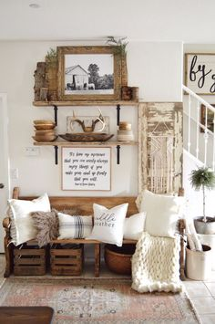 Farmhouse Decor: Finding the perfect balance of wood and white can be a challenge. I'm sharing 5 easy steps help you achieve the perfect wood and white vintage look. Vintage Porch, Vintage Home Decor, Rustic Decor, Farmhouse Decor, Rustic Style, Rustic Elegance, Rustic Signs, Rustic Chic, Rustic Modern