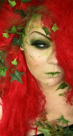 Poison Ivy look by Makeup Your Jangsara. looks like she just ate some ivy. Theme Halloween, Halloween Cosplay, Halloween Make Up, Halloween Costumes, Halloween Face Makeup, Halloween Ideas, Disney Costumes, Halloween 2018, Halloween Tutorial