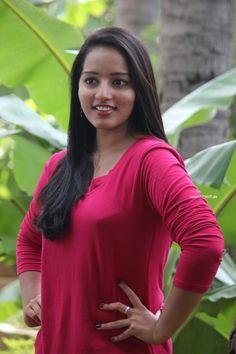 Malavika Menon Photos in Vandanam Telugu Movie 8