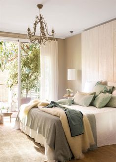 Modern farmhouse style combines the traditional with the new makes any space super cozy. Discover best rustic farmhouse bedroom decor ideas and design tips. Home Decor Bedroom, Bedroom Inspirations, Home Bedroom, Bedroom Interior, Master Bedroom Design, Bedroom Design, Farmhouse Bedroom Decor, Farmhouse Bedroom Set, Bedroom Decor Pictures