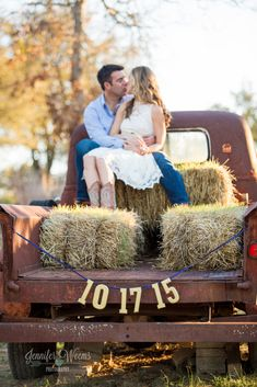 Vista West Ranch, Vista West Ranch Engagement Session, Austin Engagement, Hill Country Engagement, Hill Country Wedding, Jennifer Weems Photography, Austin Wedding Photographer, The Creek Haus, Engagement Pose, Rustic