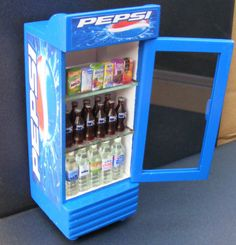 1:12 Scale Single Door Pepsi Cooler Dolls House Miniature Pub Bar Accessory Hw