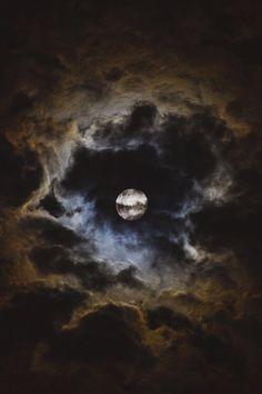 moon, night, and sky image Moon Moon, Moon Art, Dark Moon, Moon Phases, Blue Moon, Cloudy Nights, Nature Sauvage, Shoot The Moon, Look At The Moon