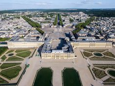 """Palace of Versailles, one of the most famous palaces in the entire world. You can find it only 17 km from the center of Paris. Palace of Versailles,"""". Things to do in Paris, France Versailles Paris, Women's March On Versailles, Day Trip From Paris, One Day Trip, Beautiful Castles, Most Beautiful Cities, Luís Xiv, Disneyland, Rio Sena"""