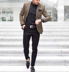 urban style // city boys // urban men // mens fashion // mens accessories // watches // modern gadgets // city living //
