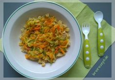 Nudeln mit Gemüse-Käsesosse sind ein leckeres Gericht für Babys und Kleinkinder auf dem Übergang von der Beikost zur Familienkost