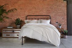 Small bedroom? No problem… we have the perfect bed for you. Our Oliver No End Bed has the classic Oliver headboard but without the foot end, making it the ideal choice for smaller bedrooms or those with limited space.  If you need a little persuading, how does 30% off in our Summer Sale sound? Under Bed Storage, Metal Beds, Ceiling Height, How To Make Bed, Timeless Design, Storage Spaces, Contemporary, Bedrooms, Bronze