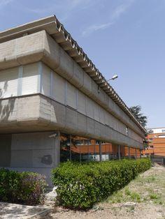 Buscador de Arquitectura - Centro de Cálculo en la Universidad de Madrid - Madrid, Outdoor Decor, Home Decor, Creative Architecture, University, Universe, Centre, Interior Design, Home Interior Design