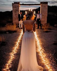 Top 20 Must See Night Wedding Photos with Lights – Printed Creations Wedding Store – Wedding Invitations, Save the Dates, etc. Top 20 Must See Night Wedding Photos with Lights Romantic rustic country light wedding photo Night Wedding Photos, Wedding Night, Wedding Pictures, Wedding Bells, Dream Wedding, Night Photos, Outdoor Night Wedding, Spring Wedding, Wedding Favors