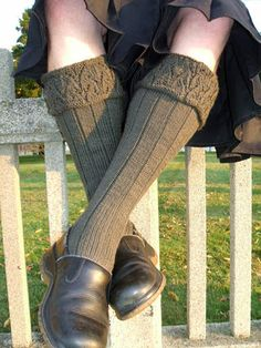 Toirneach kilt hose - Winter 2007 - Knitty I want to knit these super sexy sox for my husband. Crochet Socks, Knitting Socks, Free Crochet, Knitted Hats, Knit Crochet, Free Knitting, Kilt Socks, Poncho Knitting Patterns, Knitting Ideas