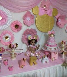 Y asi comenzo mi fiesta d cumpleaños #Arantza#Alessandra http://misstagram.com/ipost/1551742997992640886/?code=BWI5gkCDRF2