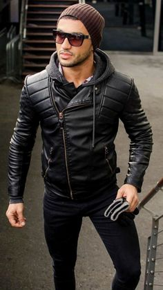 How To Wear a Leather Jacket For Men - 50 Fashion Styles - Männer Stil und Mode - Jackets Leather Jacket Outfits, Men's Leather Jacket, Leather Men, Leather Jackets, Jacket Men, Cool Street Fashion, Look Fashion, Mens Fashion, Street Style