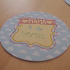 Maak zelf deze MAMA memory voor moederdag! Super leuk cadeau toch? #freedownload #freeprintable   © Papiergoed