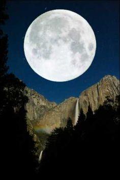 Yosemite By Moonlite. #moonshine #moonlight #moonpics http://www.pinterest.com/TheHitman14/moonshine-%2B/