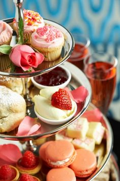This may look like the perfect Tier of Desserts for a Valentine Tea, high tea, girls brunch . Bon Dessert, Dessert Bars, Tee Sandwiches, Sweet Party, Afternoon Tea Parties, Afternoon Delight, Vintage Tea, Tea Time, Sweet Treats