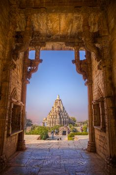 Chittaurgarh Temple - Udaipur, Rajasthan, India Photographer: Palash Mitra (via Goa India, Rajasthan Inde, Jaipur, Places To Travel, Places To See, Places Around The World, Around The Worlds, Temples, Hindu Temple