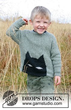 To the rescue! / DROPS Children - Free knitting patterns by DROPS Design Knitted sweater with bat for kids in DROPS Sky. The piece is knitted with raglan from top to bottom. Baby Knitting Patterns, Knitting Charts, Knitting For Kids, Loom Knitting, Free Knitting, Knitting Projects, Crochet Patterns, Drops Design, Color Verde Mar