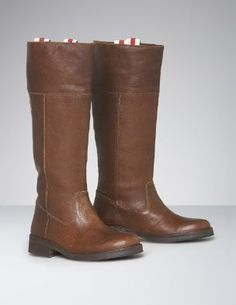 Many 2012 fall fashion style boots like this availble at Turnstyle in Lakeville! Be ahead of this year's trend of tall boots and be the first to get yourself a new pair for less!