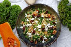 Cous cous salat med bagt græskar, grønkål og soyaristede mandler